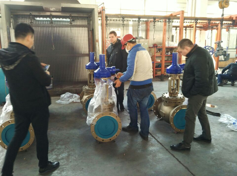 Russian Clients Inspect Dervos Valves in China